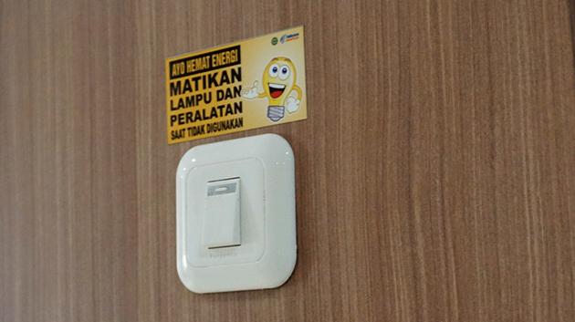 Bagaimana Cara Agar Pemasangan Safety Sticker di Tempat Kerja Lebih Efektif?